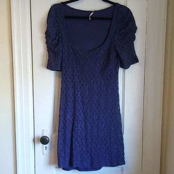 Free People Dresses & Skirts - Free People Rouched Sleeve Lace Dress